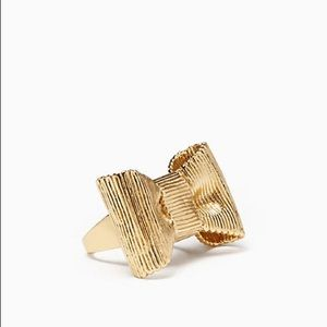 NWT Kate Spade Wrapped in a Bow Statement Ring.